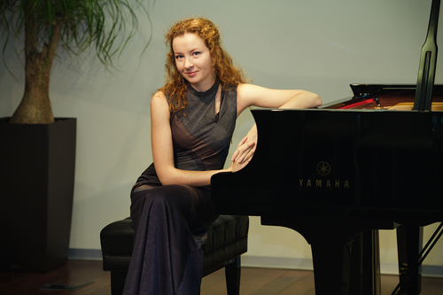 Anna kavalerova in concerto alla casa della musica oggi for Compositore tedesco della musica da tavola